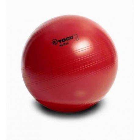 Červený gymnastický míč Togu na cvičení