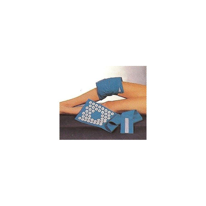Iplikátor na kolenní kloub s výřezem