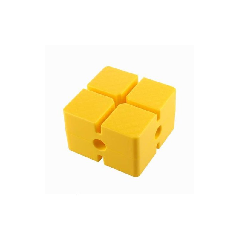 Základna - blok malý, rozměr 15x15x9,5 cm, pro sestavování překážkových drah